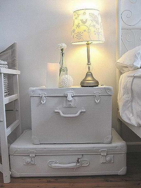 vintage-furniture-old-suitcases-room-decorating-2
