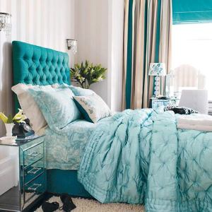 blue-bedroom-decorating
