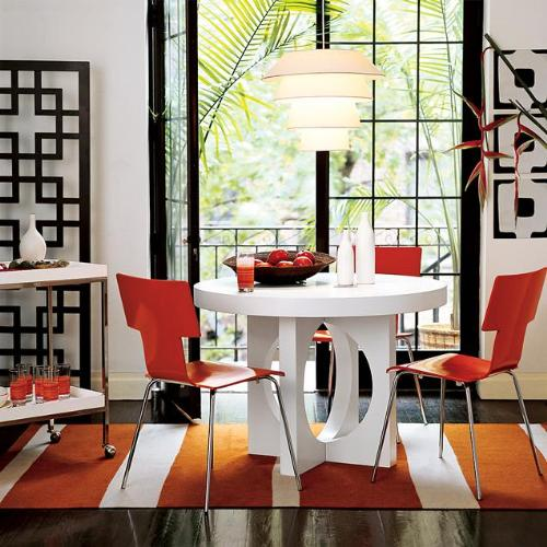 Red-accent-small-dining-area