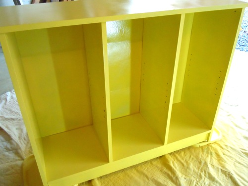 Painting with Spray Paint Laminate Bookcase 500 x 375
